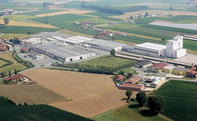Foto della fabbrica Monge spa vista dall'alto