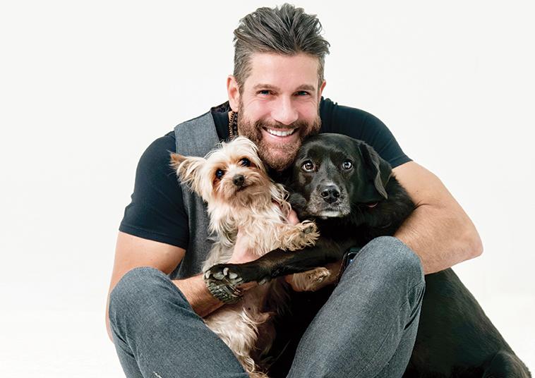 Edoardo stoppa con i suoi cani